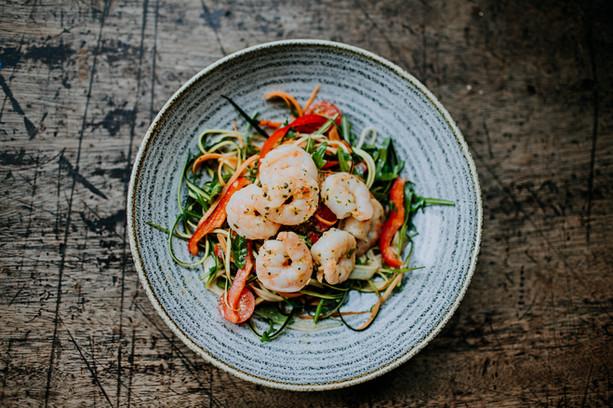 chilli + garlic king prawn oriental salad