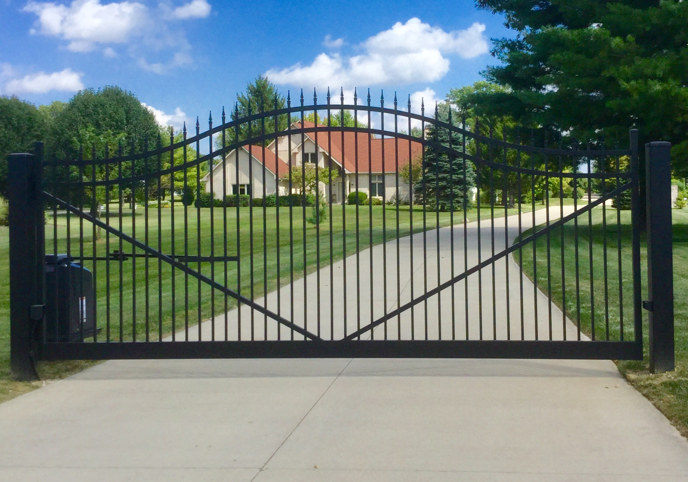 CourtYard Aluminum Estate Gates