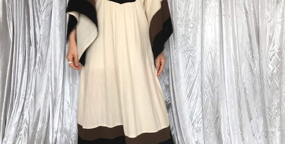 vintage flare sleeve dress