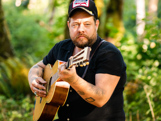 Nathaniel_Rateliff-On_The_Farm_Session-2