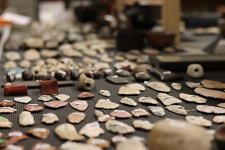Native American Artifacts, Auction House, Sale, Sell Arrowheads, Cosign, Consignment, Sell you ancient relics, american indians