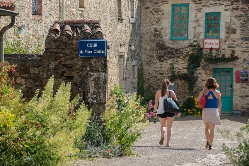 Cour de l'ancien château