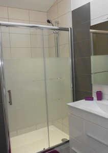 La Rocardiere  salle de bain