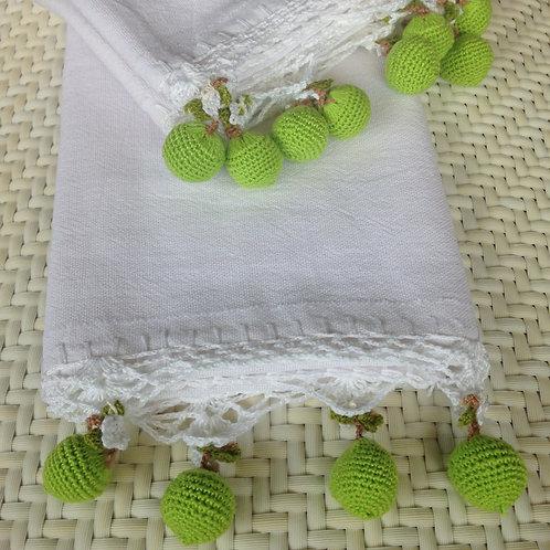 Handtuch mit gehäkelten Limetten