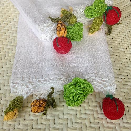 Handtuch mit gehäkeltem gemischten Salat