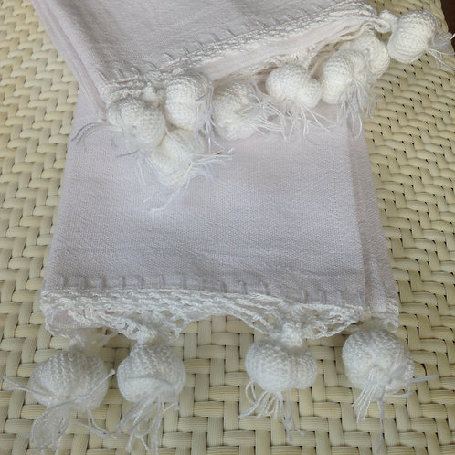 Handtuch mit gehäkeltem Knoblauch weiss