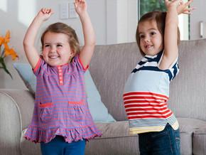 बच्चे को किस प्रकार के कपड़े पहनने चाहिए?