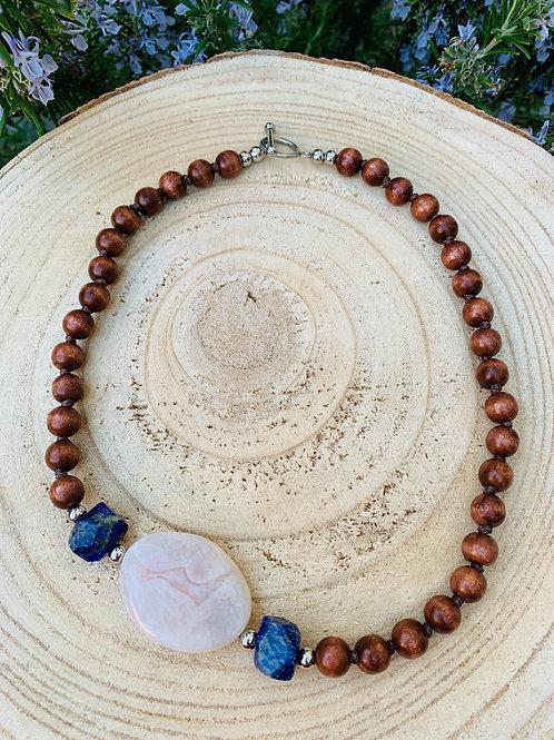 Collier en Agate, Lapis lazuli et bois