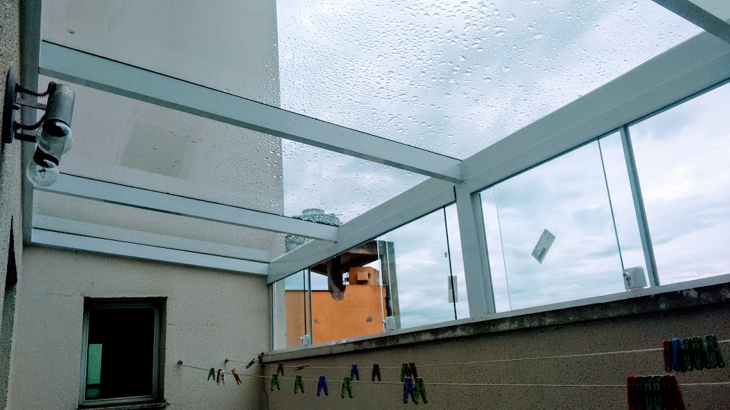 Obra cobertura com janelas