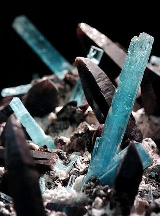 crystals rocks gems minerals lapidary eggers aquamarine smoky quartz antero petrified wood fossils