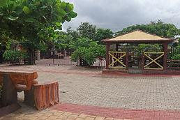 Entrance to the Kennl.jpg