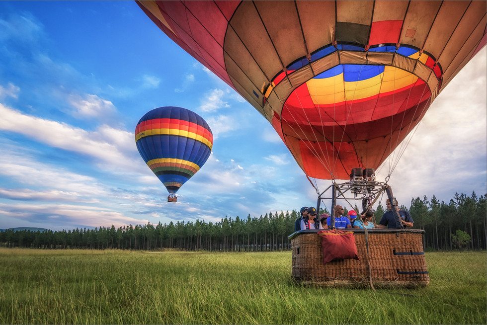COLOUR - Champagne_Ballooning by Dave_Mullin ( 12 marks)
