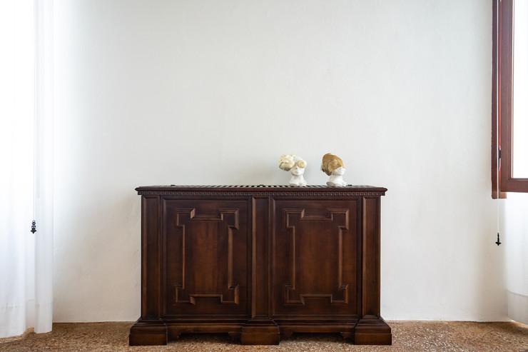 Federica Poletti, Head, 2019, ceramica e poliuretano espanso, 25x15x20 cm, courtesy l 'artista, credit Federico Rinaldi 15 Federica Poletti, Head, 2019, ceramica e tessuto, 25x15x20 cm, courtesy l 'artista, credit Federico Rinaldi