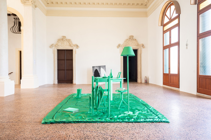 Alice Mestriner & Ahad Moslemi, Invasion and Vanitas, 2019, raso verde, dimensioni variabili, courtesy gli artisti, credit Federico Rinaldi