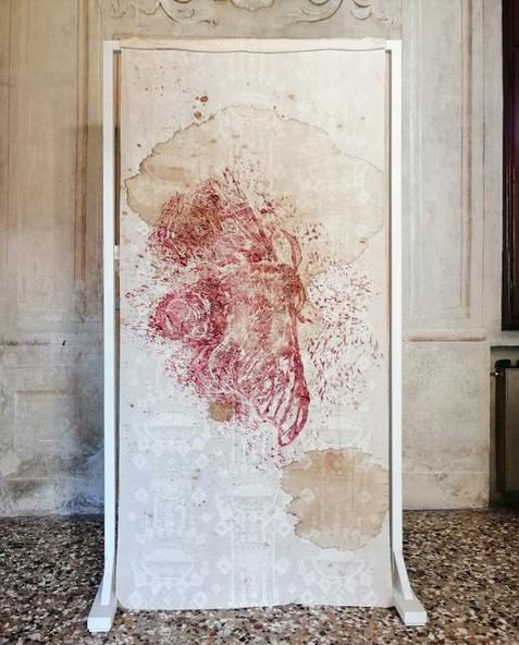 Jessica Ferro, IMAGO, 2019, tecnica mista, 127x230x50 cm, courtesy l'artista, credit Riccardo Ciriello