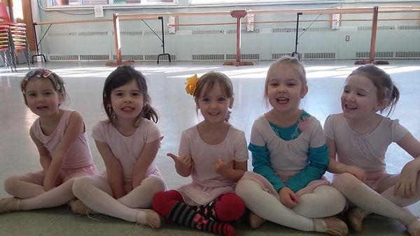Pre-ballet class in Jenie's Dnce School