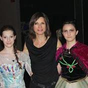 Jenie Gospodinova-painter-costums-Frozen