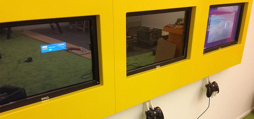 Schermen Gamelab Science Centre Delft Peerdrops