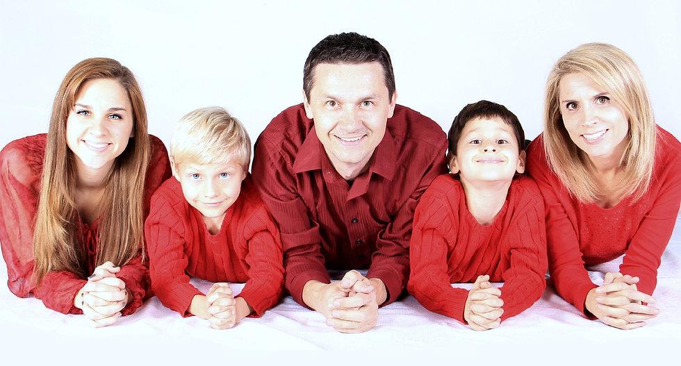 family-521551_edited.jpg