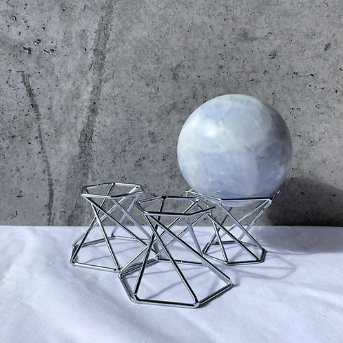 Reversible Hexagon Sphere Stand   Silver