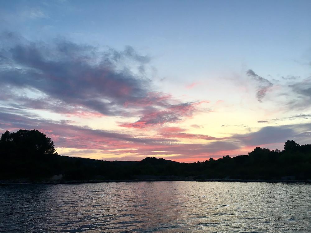 Kanal Jezenica - Korčula 42º56'564N 017º09'393E