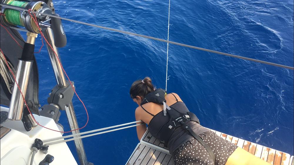 Fishing pot/net caught in keel