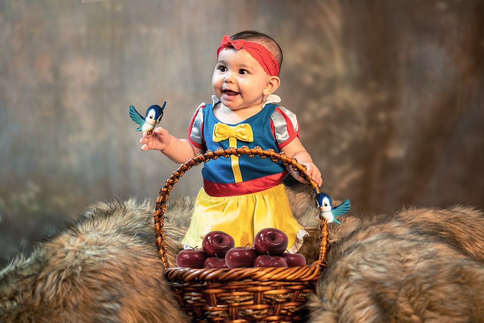 MNGPhotography-Avery5month-Snowwhite2-09