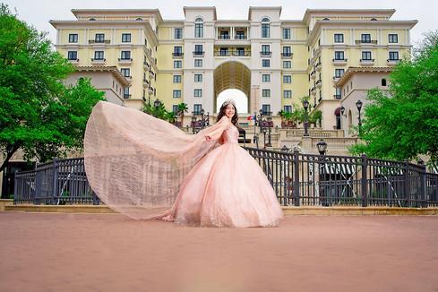 Elian Hotel Quinceañera Photoshoot