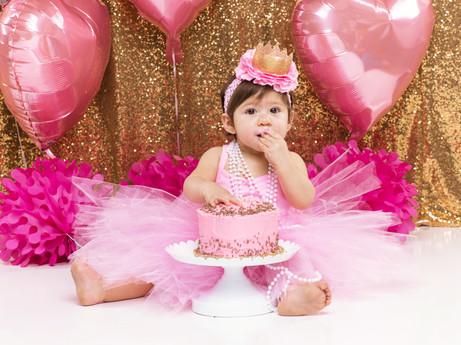 MNG smash the cake