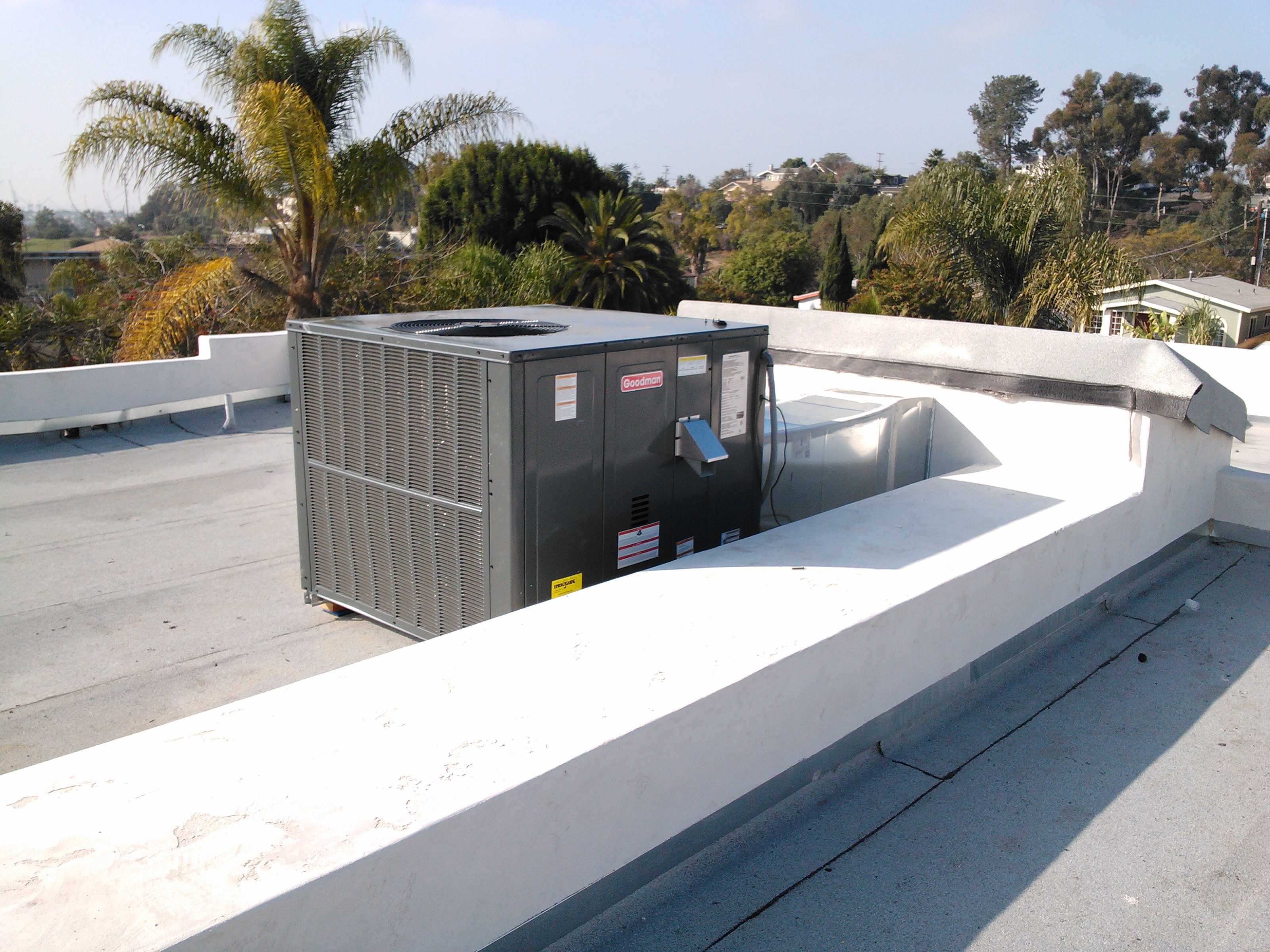 Roof Top Unit Air Conditioner 2.jpg