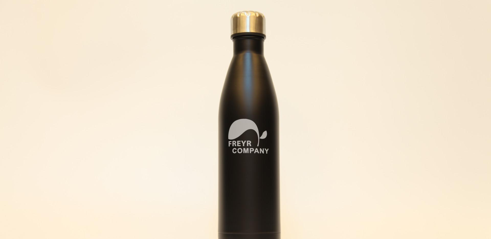 Trinkflasche Freyr Vorderseite.jpg