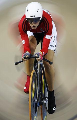 Lauftechnik, Larissa Kleinmann, FLUGPHASE, natural running, Marathon, Triathlon , Radsport, Zeitfahren