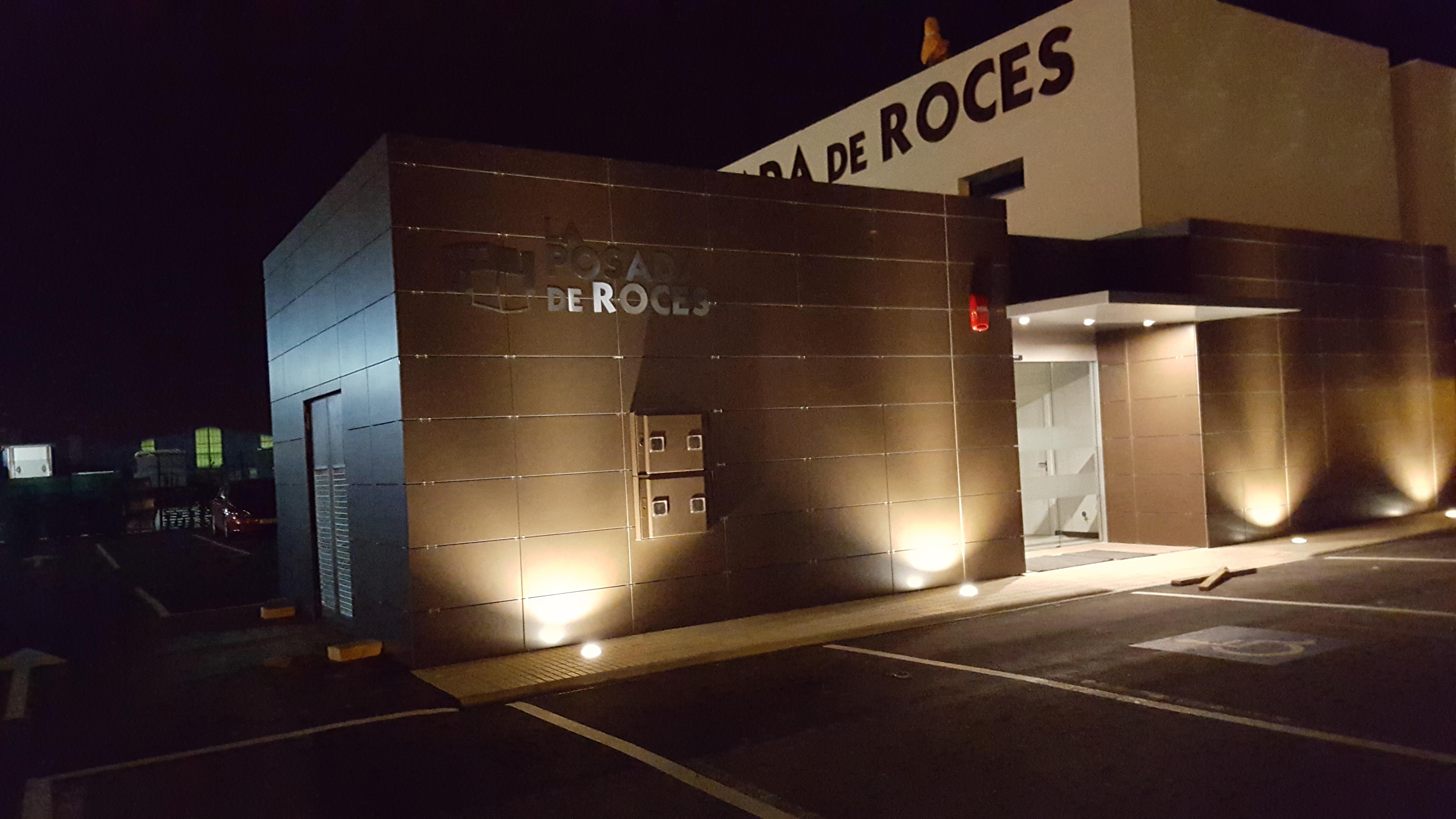 Hotel Posada de Roces - De Noche