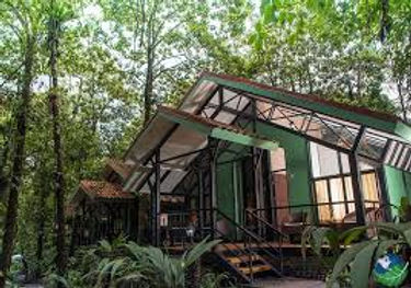 Tapirus Lodge Exterior.jpg