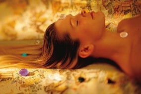 absorbing-energy-from-healing-crystals-1