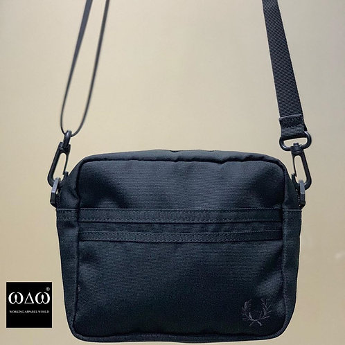 Fred Perry Tonal Shoulder Bag - Black