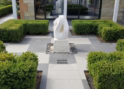 Keno Sculpture carving - in situ