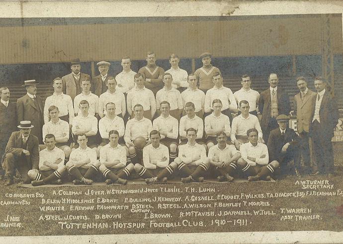 Tottenham Hotspur 1910-11.jpg