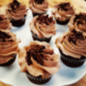 Chocolate Cupcakes with a Chocolate-Peanut Butter Frosting!!__jilliciousdesserts_#cupcakes #chocolat