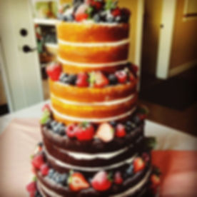 Naked Wedding Cake__jilliciousdesserts_#latesttrend_#weddingcake_#summerfreshfruits_#vintagethemewed