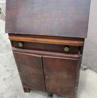 Restauo de móvel de madeira