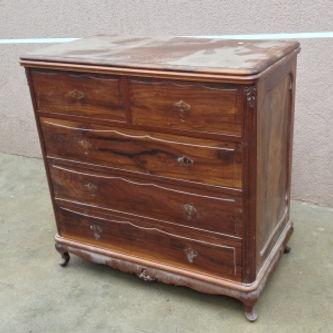Restauração de móveis de maeira