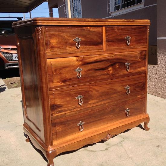 Restauro de móveis de madeira