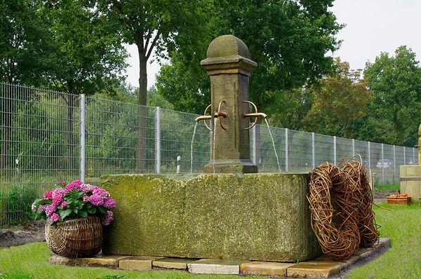 sandsteinbrunnen-historisch-Marktbr.H21.