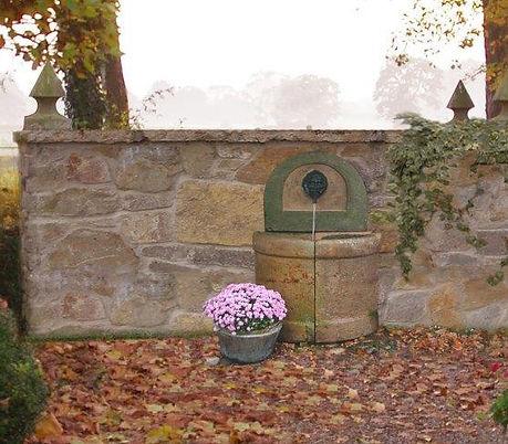 Wandbrunnen-Sandstein-T9.jpg