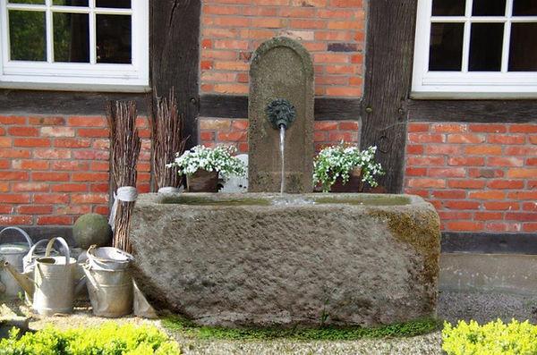 sandsteinbrunnen-Schoepfbrunnen-PL4.jpg