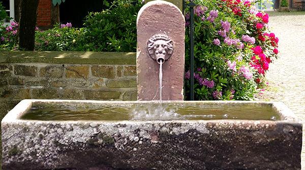 sandsteinbrunnen-historisch-klbrT8_bearb