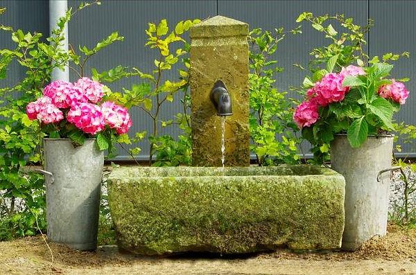 kleiner-sandsteinbrunnen-H7.jpg