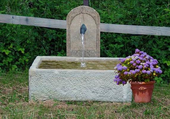 Sandsteinbrunnen-Tränkebrunnen-T5.jpg