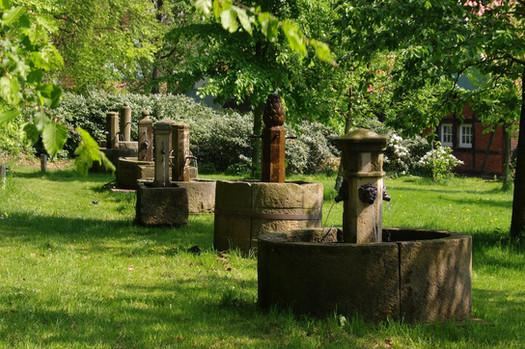 Historische Sandsteinbrunnen